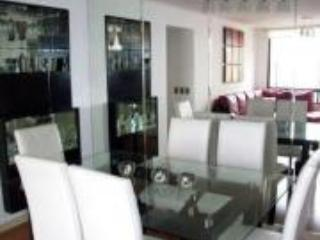 Luxury Flat with Pool & 2 Blocks from Hilton Hotel, Lima