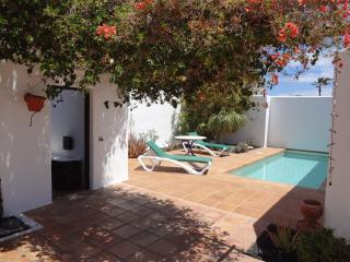 Villa enfrente, an oasis of peace and relax, Puerto del Carmen