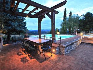 Casa Boschetto, casale con piscina, San Venanzo
