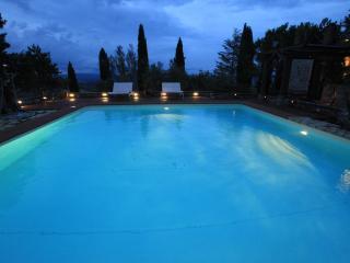 Casa Boschetto, casale con piscina