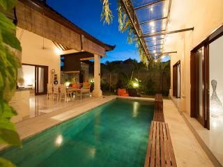 Affordable 3 bedroom Villa, Amazing Location!!