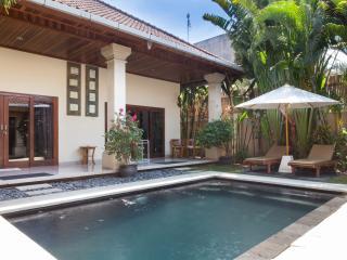 2 bedroom Oberoi Villa , Great Location!!, Seminyak