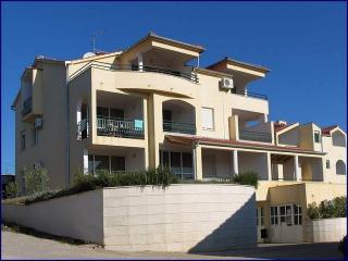 One-Bedroom Apartment In Tisno E (2+1 Persons), Tijesno