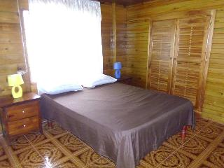 Ocean View Chalet - OceanViewRoom with Bathroom, Negril
