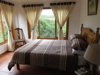 The Leaning Tree Self catering, pet friendly, Great Brak River