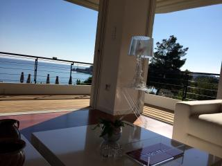 Vouliagmeni sea View Suite