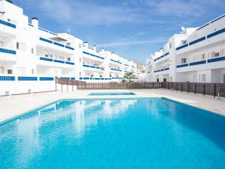 New Modern Apartment whit 2 swimming pools and near the beach