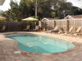 Recently Renovated 1BR/1BA Sleeps 4 w/ Private Pool, WiFi, Near the Beach