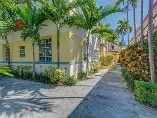 Chic Apt in the heart of SOBE, next to Lincoln rd, Miami Beach