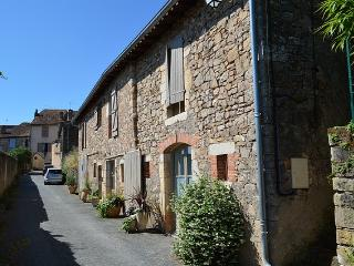 Charming village house with 3 bedrooms and garden, Cordes-sur-Ciel