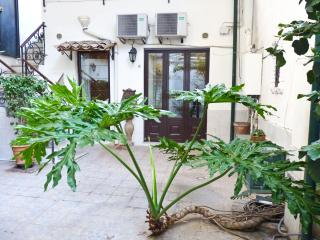 Home and delicious plant, Catania