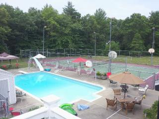 4 acre private retreat setting, Middleborough