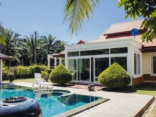 Privat pool villa 3 br., Phuket-ville