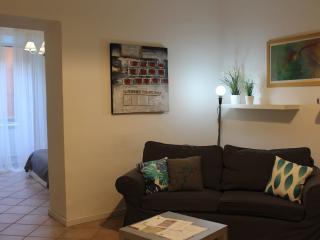 Santonofrio White Bright Apartment with Patio