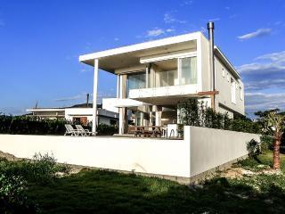 Oceanfront Pool Home in Florianopolis, Campeche
