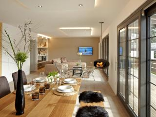 LA MAISON Titisee. 5* Luxury Boutique Design Holiday Home in the Black Forest, Titisee-Neustadt