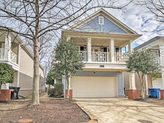 Inviting 3BR Memphis House w/Wifi, Private Deck & Peaceful Backyard Oasis - Unbeatable Mud Island Location! Close to Both Outdoor Recreation & Downtown Attractions!