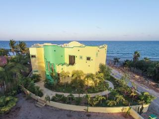Oceanfront villa with infinity view pool, 1/2 mile north of LosBarriles sleeps 8
