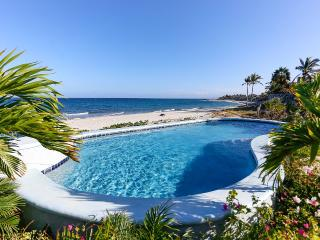 Oceanfront Villa with Infinity View Pool, Los Barriles