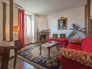2 Bedroom Beautiful apartment in Rome