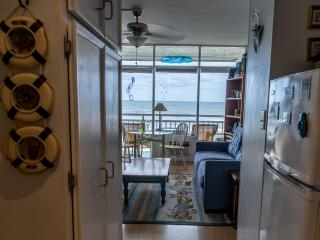 BEACHFRONT CONDO - Perfect place, Virginia Beach