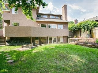 Boise Foothills Gem- Close to BSU and Downtown!