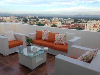 NEW PENTHOUSE DOWN TOWN, TERRRACE, POOL, GYM ROOM, Santo Domingo
