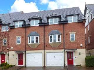 Luxury 2 Bedroom Townhouse in  Northwich Cheshire close to Chester