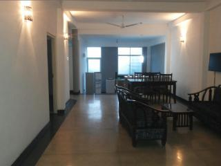 FULLY FURNISHED 2 AC BEDROOM APARTMENT IN DEHIWALA