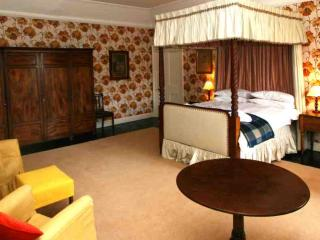040-Historic Castle Apartment, Forres