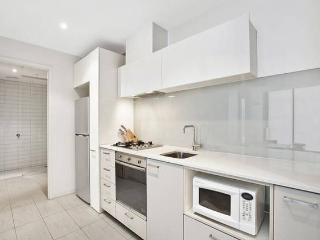 2 Bedroom Apartment on Neo200, Melbourne