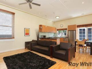 3 Bedroom house in Kensington, Melbourne