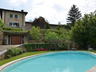 Tuscan Villa with Gardens and Pool for a Family - Villa Adelia, Arezzo