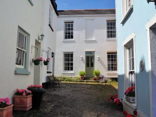ANHOU Cottage in Appledore