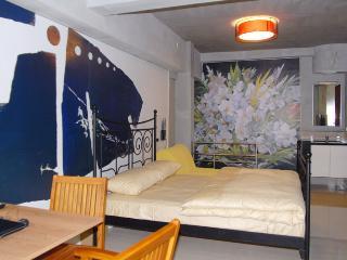 內湖路一段387巷家庭房A房 Xihu MRT Type A Apt