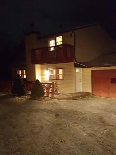 5BR in Heart OF POCONOS. Pools, Lakes, Parks