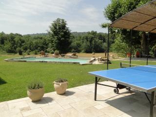 Gîte Domaine des pierres pour 15 pers +++ en pleine campagne avec piscine