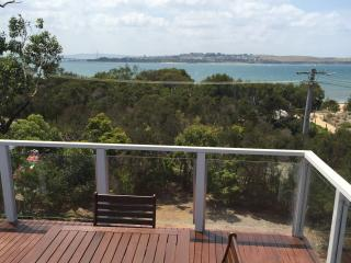 BEACHFRONT HOUSE WITH SPECTACULAR WATER VIEWS FROM TWO DECKS, Newhaven