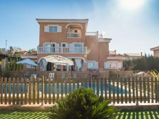 Wonderful Villa near to the beach and with pool, Llucmajor