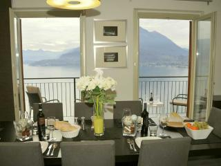 Gorgeous apartment with view on Lake Como, Perledo