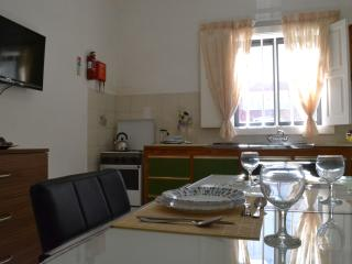 Cosy 2 bedroom apartment, close to the sea, San Pawl il-Baħar (St. Paul's Bay)