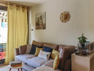 Sunny studio apartment with balcony, Arcachon