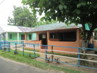 Location maison dans village à 3km de l'aéroport, Nosy Boraha