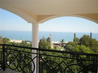 Panoramic Sea view, 70 meters from the Beach!!!, Sables d'or