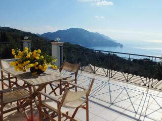 Villa Vardia with uninterapted sea view, Agios Gordios