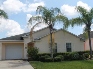 3 bed 3 bath one story pool home, gated community, Davenport