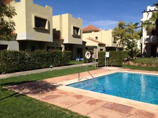 3 Bed, 2 Bath, Luxury Poolside House, Sleeps 8