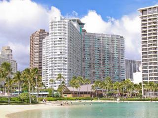 STUNNING OCEAN & SUNSET VIEWS @ Waikiki Beach, Honolulu