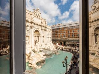 Trevi Fountain nest for 5 people, Roma