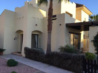 3 Bed, 2 Bath, Luxury Poolside House, Sleeps 8, San Javier